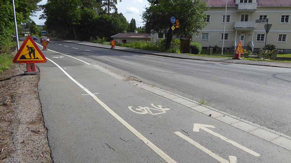 Cykelbanan blir enkelriktad och man måste skiftar sida