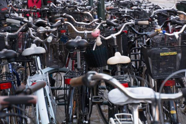 Cykel som transportmedel är ett billigt, miljövänligt, hälsosamt och effektivt färdsätt.